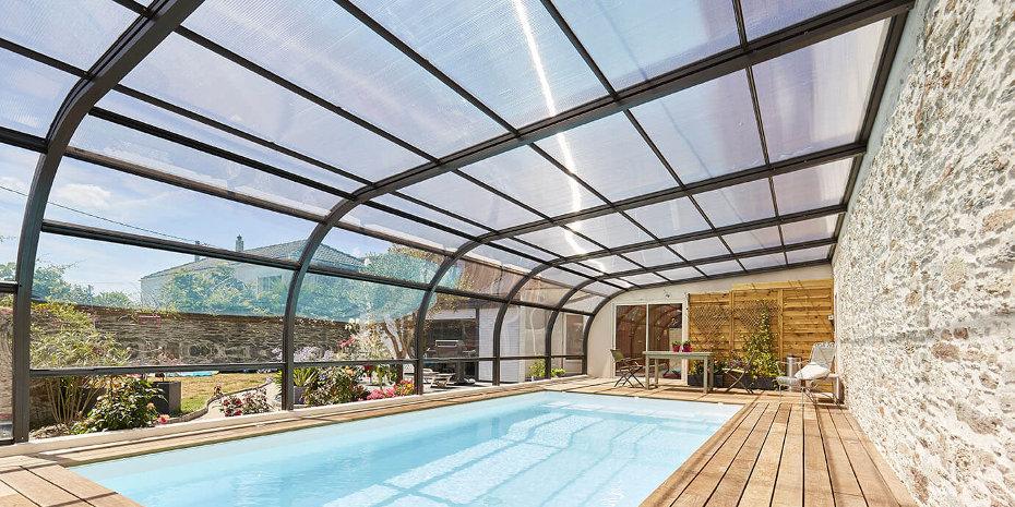 Abri de piscine Attik galbé © Lamoureux - Abri de Piscine Gustave Rideau